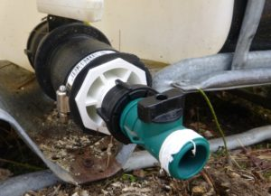Tote -> Flexible Coupling -> Garden Hose.